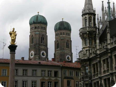 Munich City Guide. Frauenkirche from the Marienplatz