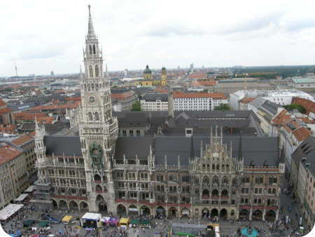 Munich City Guide. View from St. Peters over Marienplatz yo the Rathaus